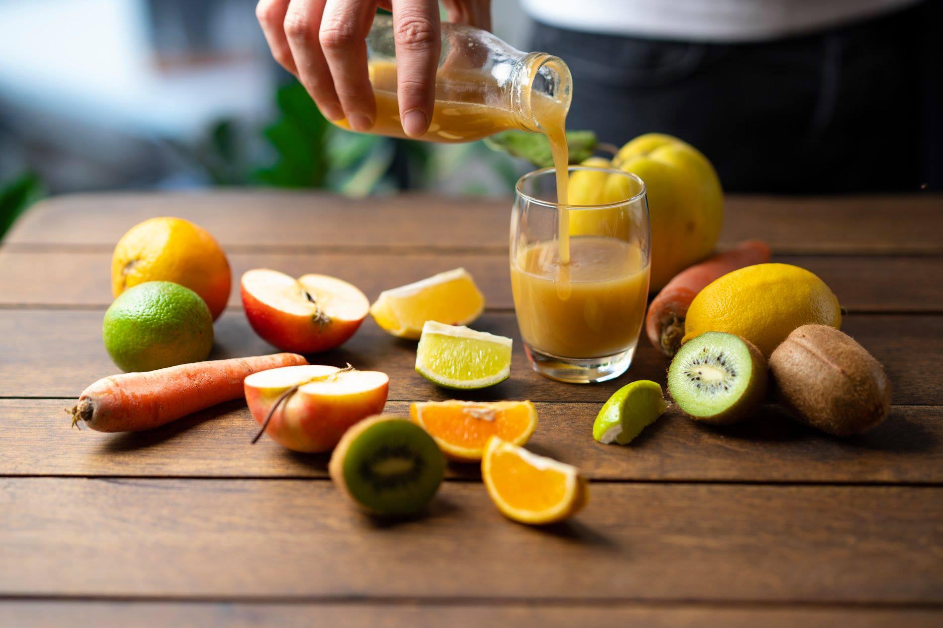 Gyógypedikűr: Méregtelenítő italok-Gyümölcslékalauz
