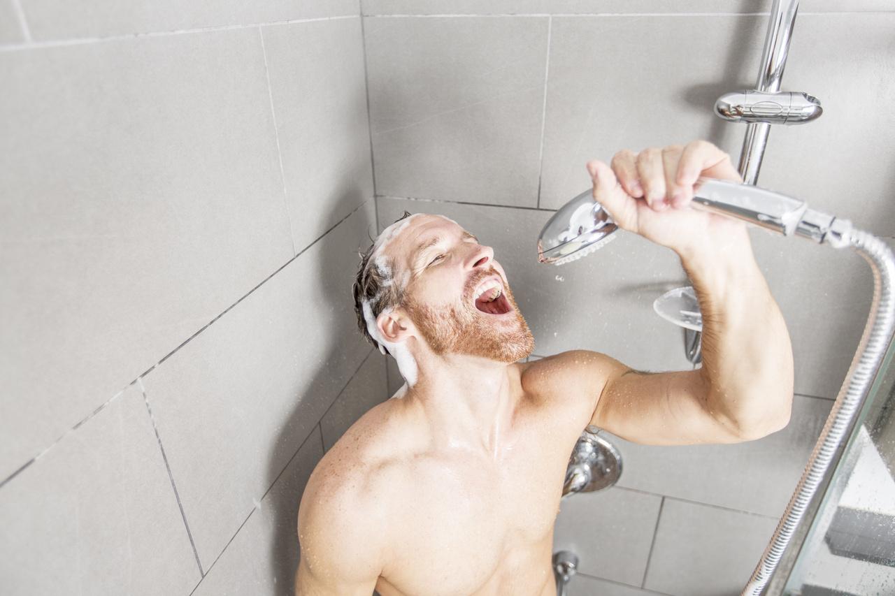férfiak a fürdőszobában gyógyszer giardien mensch