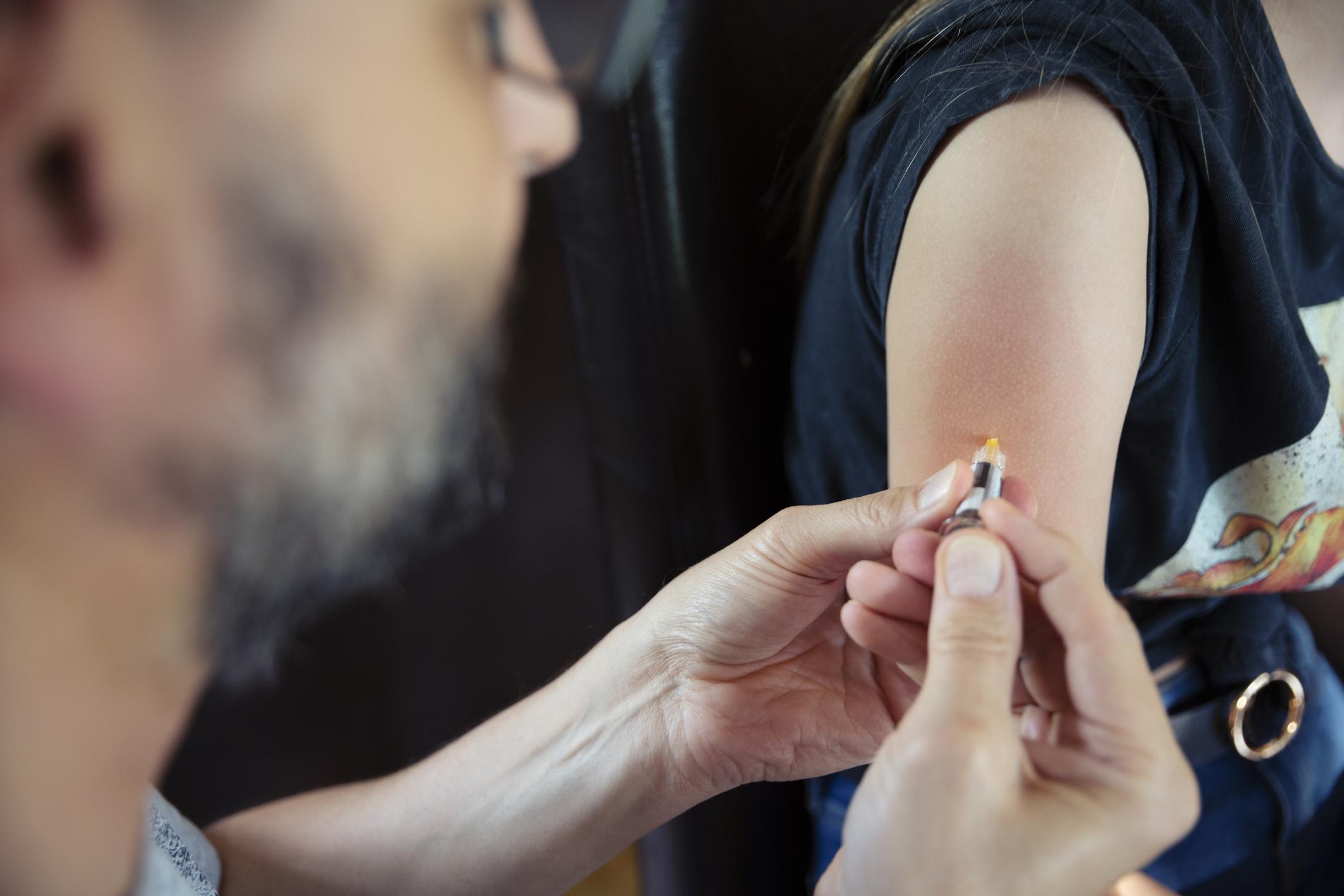 A HPV-vírus elleni vakcina növeli a méhnyakrák kockázatát?